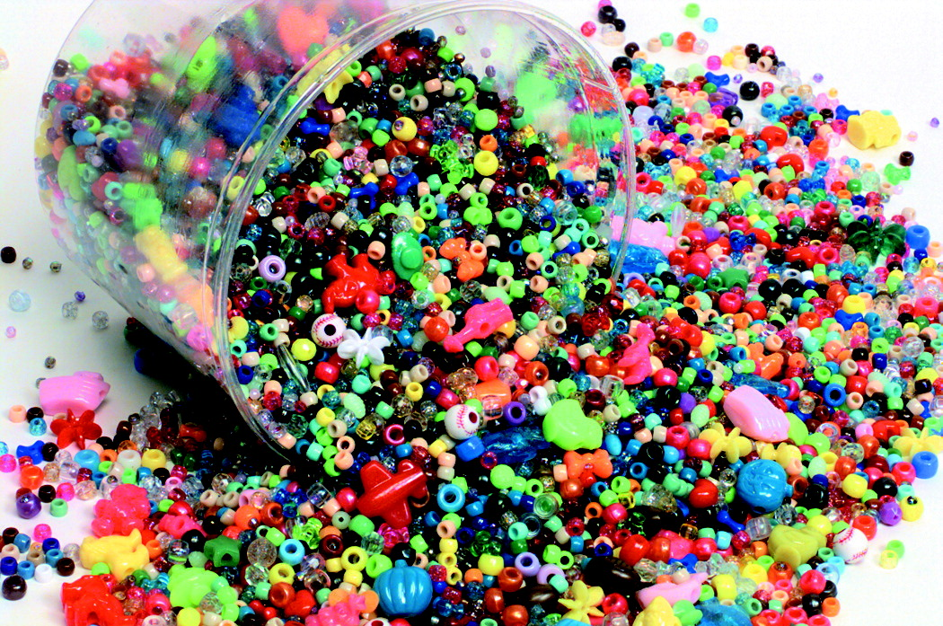 School Smart Plastic Bead, Assorted Size, Assorted Color, 3 lb Bucket of 3000